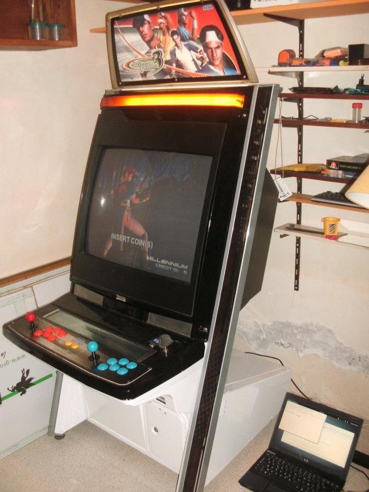 borne arcade naomi